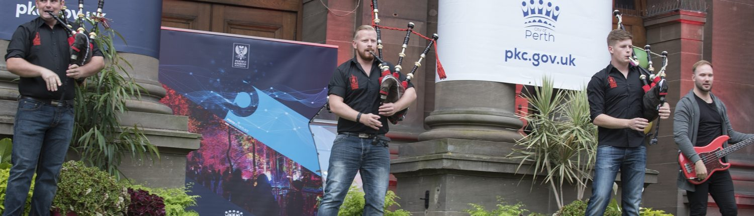 CITY-HALL-PIPERS-1-1500x430